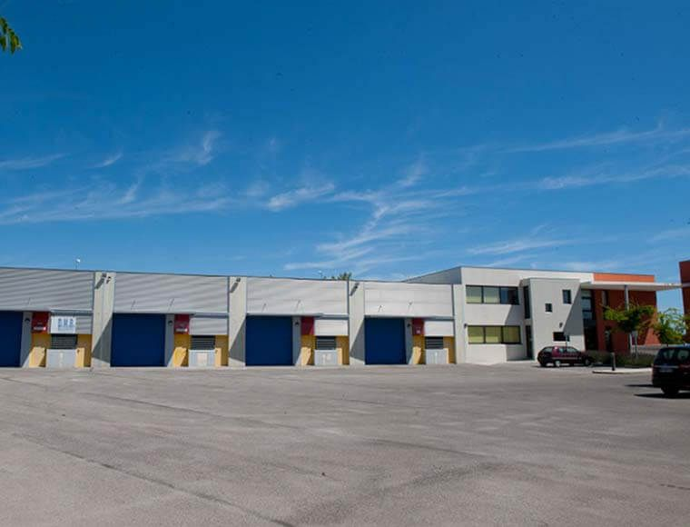 Business offices workshop to rent Montpellier invest in France