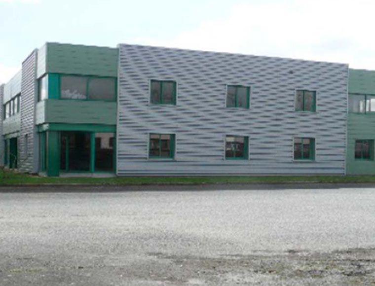 Industrial building for sale or rent in Centre Val de Loire